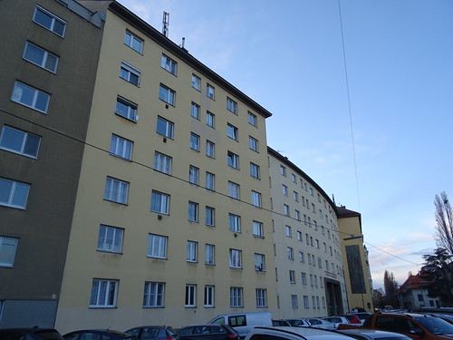 Wien, 2. Bezirk (Wohnhausanlage Robert-Erber-Hof - Housing estate, zona residenziale, complejo residencial, quartier résidentiel), built from 1950 to 1952 (Schüttelstraße/Böcklinstraße)