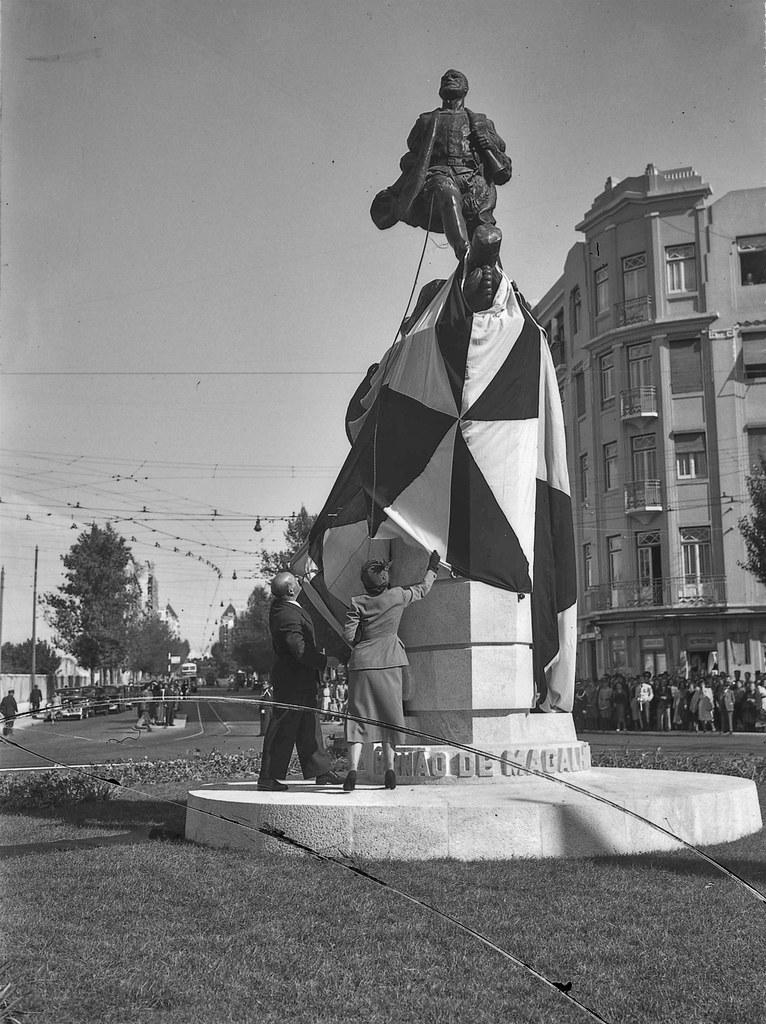 Inauguração da estátua de Fernão de Magalhães, Praça do Chile  (Judah Benoliel, 1950)