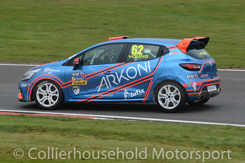 Clio Cup - R2 (3) Jack Young leads