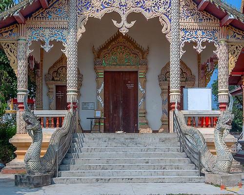 Wat Si Bun Chu Wang Hai Phra Wihan Entrance (DTHLU0463)