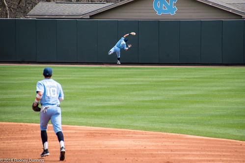 Ashton McGee Makes Acrobatic Catch