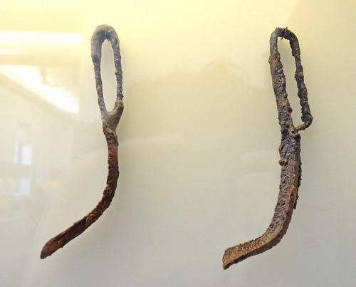 Iron strigils from the polyandrion of the Thebans at Chaironeia (3)