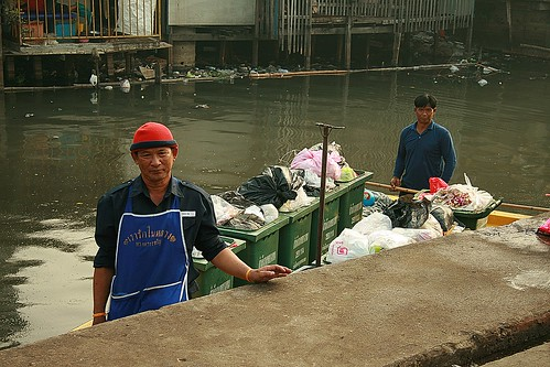 garbage barge crewmen