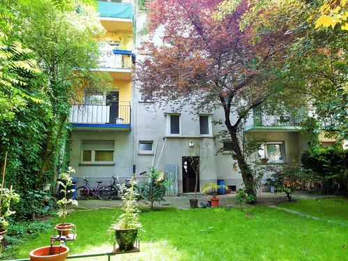 Mehrfamilienhaus mit Potenzial mit Garten und großen Greundstück.