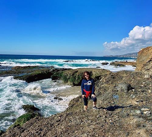 Beach hike ✅. ⏰ to 🐻⬇️! Go, @ChicagoBears! #DaBears 🏈#MonstersOfTheMidway #BearDown #california #vacationmode #PHIvsCHI