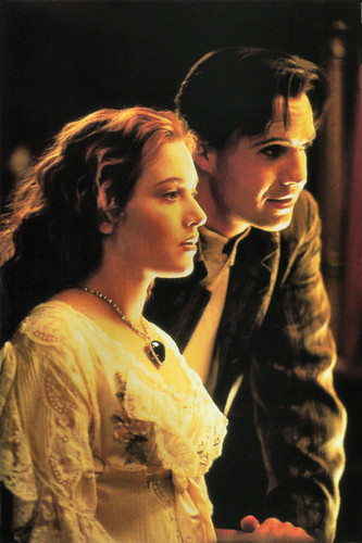 Kate Winslet and Billy Zane in Titanic (1997)