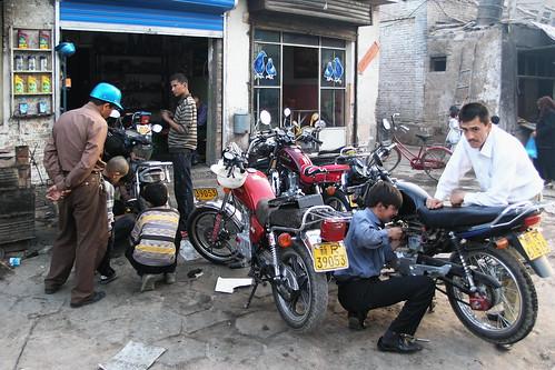 China - Kashgar - Motorcycle Repair - 247