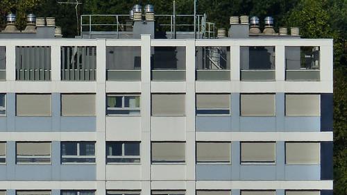 St-Etienne Nord - la tour BORIE R+17 HLM - architectes Gilbert Rouillat & Yves Gouyon constr 1961 -