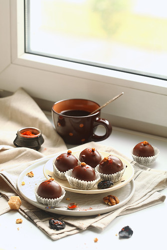 Chocolate Cake Pops with Prunes, Walnuts and Smoked Paprika