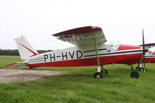 PH-HVD Bo-208 @ Budel 1 september 2006 Jan Hetebrij 184