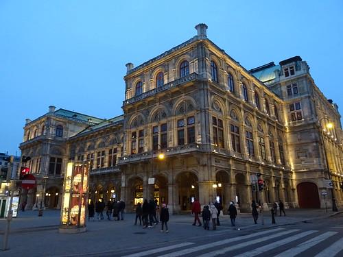 Wien, 1. Bezirk, Wiener Staatsoper, Ópera Estatal de Viena, L'opéra d'État de Vienne, Vienna State Opera, Opera Wiedeńska (Philharmonikerstraße/Kärntnerstraße/Herbert-von-Karajan-Platz)