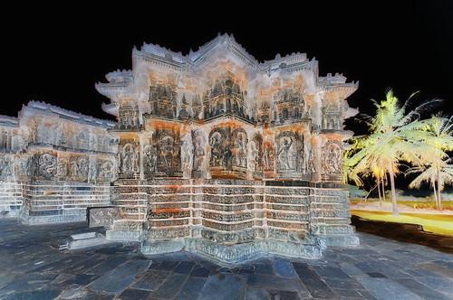 India - Karnataka -  Halebid - Parshvanatha and Shantinatha Basadi - 196d