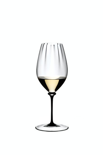 4884-15D_FAM Performance_Riesling_filled_white