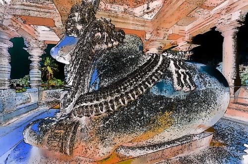 India - Karnataka -  Halebid - Hoysaleswara Temple - Nandi - 150g