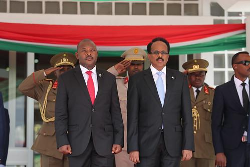 Madaxweyne Farmaajo oo safar shaqo ku tagay Burundi