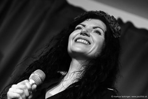 Anna Klebus: vocals
