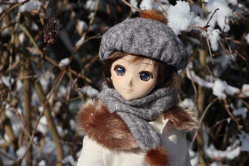 Hitomi in snow