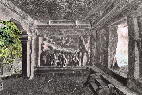 India - Tamil Nadu - Mamallapuram - Mahishasura Mardini Cave Temple - Seshasayi Vishnu Panel - 14d