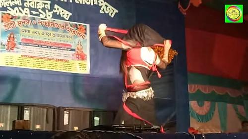 Gup Chup Gup Chup - Karan Arjun   Mamta Kulkarni &Alka Yagnik,Ila Arun dance hungama