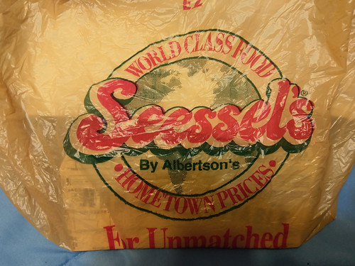 Seessel's By Albertson's bag