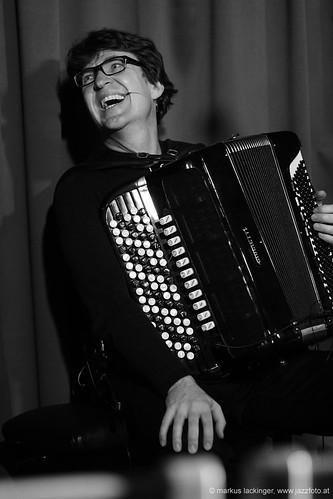Jacek Grekow: accordion, bagpipe, kaval