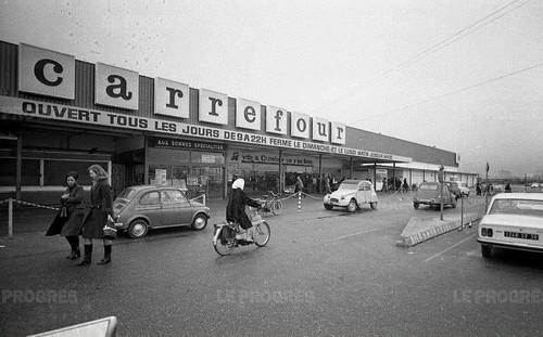 69 - le supermarché Carrefour de Vénissieux en 1978, Ouverture en 1966