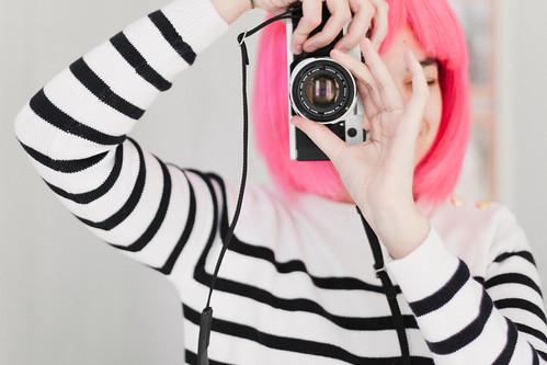 21/52 - Pink Wig