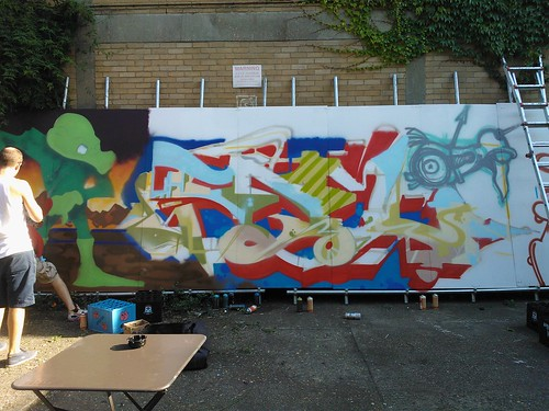 graffiti throwdown ID vs TRP -graff alive event at strongrooms