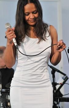 Jazz Star Felicia Touré Von Der Band MANTECA  Aus Deutschland Wow