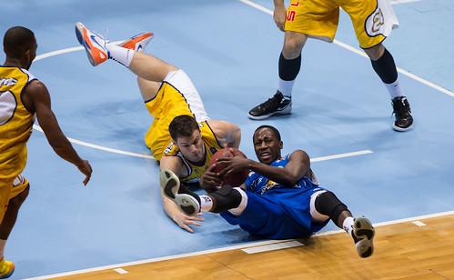 Beko BBL, 12. Spieltag, EWE Baskets - FRAPORT SKYLINERS, Niedersachsen, DEU, 2012,   ...