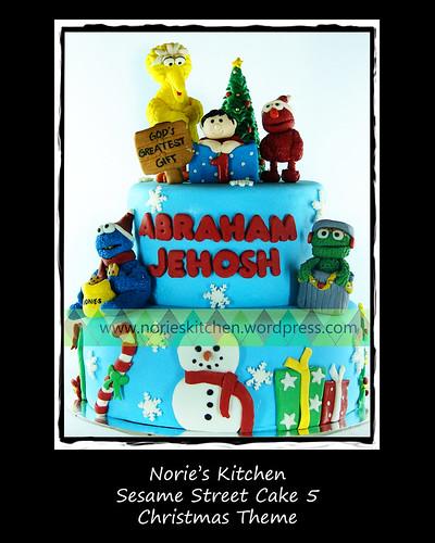 Norie's Kitchen - Sesame Street Cake 5 - Christmas Theme