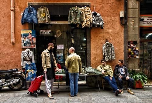 rav´al - ejant ( mercat a Joaquim Costa )