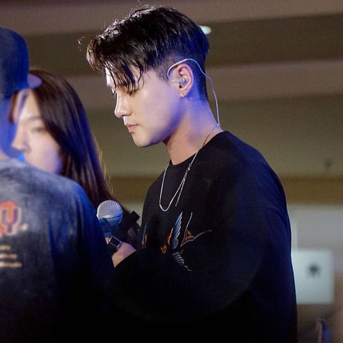 Can't say anything 😍😘❤️💋 @deantrbl  #mydeantrbl #inmalaysia #promotealbum #130moodtrbl #sunwaypyramid #live #bestmoment #lovedean #myfm #universalmusicmalaysia #radhityahardi #greatman #warmman #lucky #lovers #fansgirl