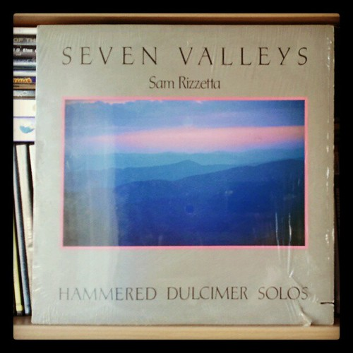 #nowplaying Sam Rizzetta - Seven valleys. Hammered dulcimer solos. Rare #vinyl from #flyingfishrecords. AFAIK, there was no cd or digital release. #samrizzetta #dulcimer #sevenvalleys
