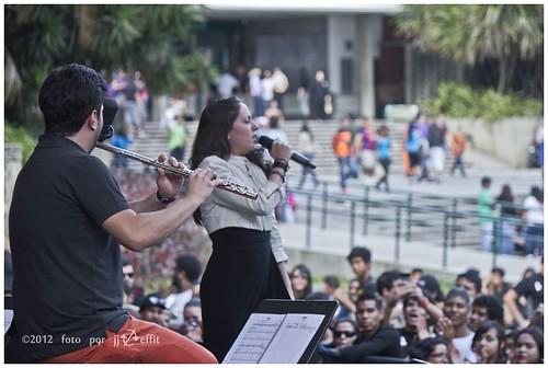 Nana Cadavieco en La Concierto Locos Por L a Paz