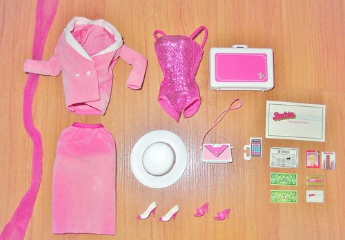 1984 Day-to-Night Barbie Outfit & Accessories