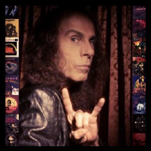 Antes que chuck schuldiner esta el mas grande de todos Ronnie James Dio hoy se cumplen 5 años de su partida , rainbow in the dark , we rock , holy diver , heaven and hell , catch the rainbow , etc. #dio #ronniejamesdio #enanomaldito #lavozdemetal #instach