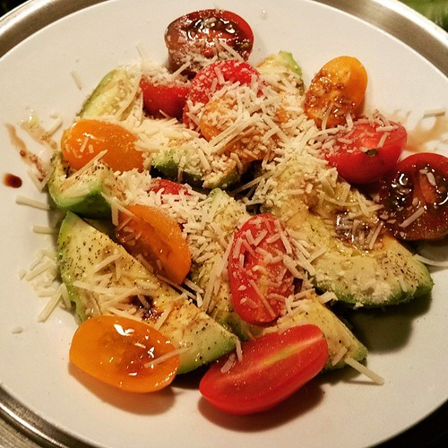 Avacado,tomato,&grated parmesan salad!☆....drizzled with olive oil & dark chocolate balzamic vinegar!