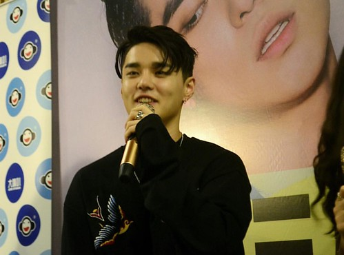 Damn, your lips bae. Make me can't focus to anything 💋❤️💋 @deantrbl  #mydeantrbl #inmalaysia #promotealbum #130moodtrbl #sunwaypyramid #live #bestmoment #lovedean #myfm #universalmusicmalaysia #radhityahardi #greatman #warmman #lucky #love