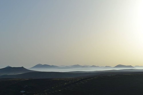 Sunny with cloudy intervals this morning in Lanzarote, clouding over for the middle of the day and clearing by mid afternoon. 10-25 km/h variable north/east wind. 22 degrees.