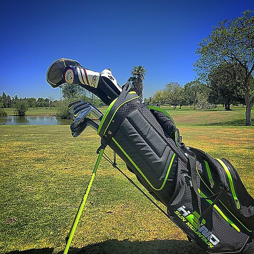 A little bit of everything in my @sunmountainsports #H2NO #GolfBag today. @cobrapumagolf #FlyZ+ driver #TourTrusty wedges, @nikegolf #VaporPro irons, @callawaygolf #XRPro fairway and hybrid and @wilson_golf #Infinite #MichiganAve putter. #SunMountainSport