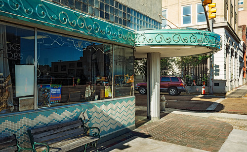 • Mayflower Café, 121 W Capitol St (1898-1901), Jackson, MS, USA