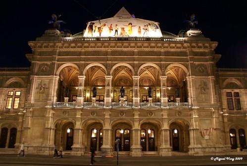 «Ópera Estatal de Viena (Wiener Staatsoper)» Arquitectos: Eduard van der Nüll y August Sicard von Sicardsburg - c/ Opernring - Distrito (Bezerik) 1: Innere Stadt - Viena - Austria