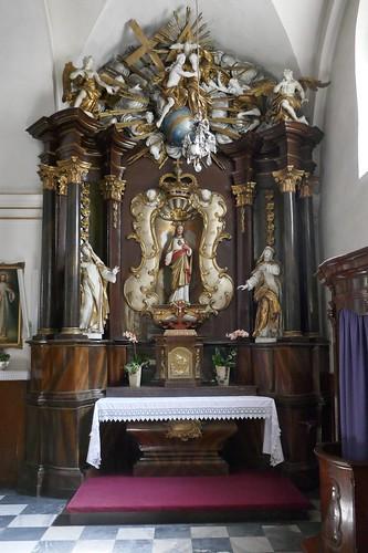 Ołtarz Najświętszego Serca Pana Jezusa w kościele MB Bolesnej w Opolu