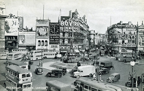 Piccadilly Circus: 1948