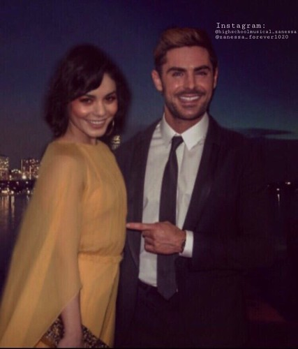 Zac Efron and Vanessa Hudgens #zacefron #vanessahudgens #zanessa #manip #boyfriend #girlfriend #cute